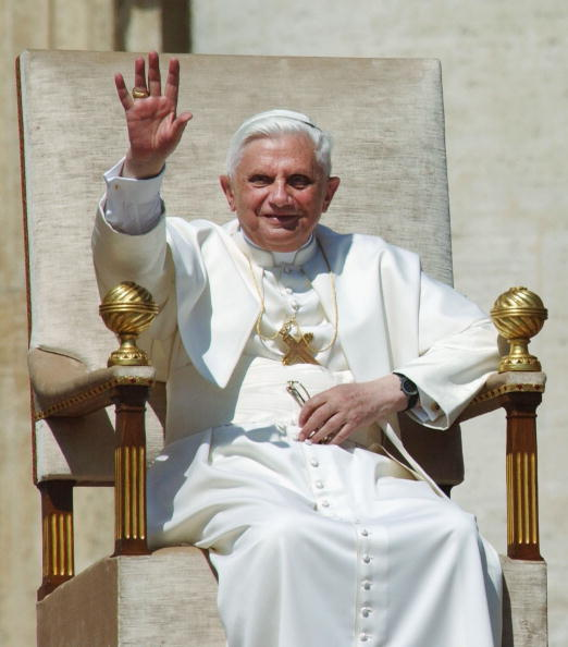 Religious Mass「Pope Benedict XVI Gives First General Audience」:写真・画像(15)[壁紙.com]
