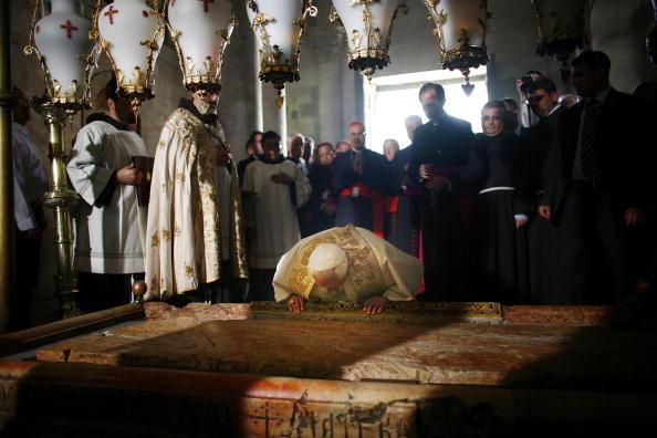 Old Town「Pope Benedict XVI Visits Jerusalem's Church Of The Holy Sepulchre」:写真・画像(18)[壁紙.com]