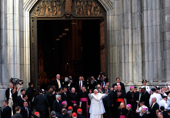 Religious Mass「Pope Benedict XVI Celebrates Mass At St. Patrick's Cathedral In NYC」:写真・画像(16)[壁紙.com]