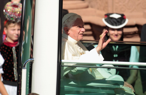 Religious Celebration「Pope Benedict XVI Visits Freiburg」:写真・画像(17)[壁紙.com]