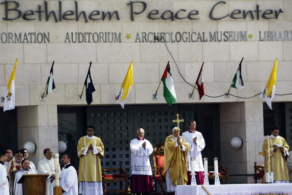 West Bank「Pope Celebrates Holy Mass In Bethlehem」:写真・画像(15)[壁紙.com]