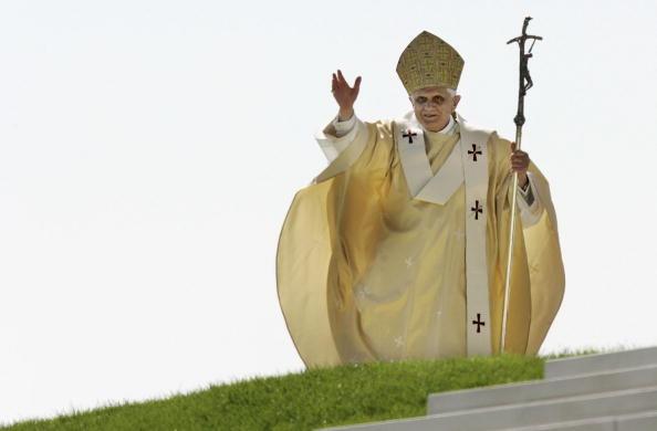 Religious Mass「Pope Benedict XVI Visits Bavaria - Day 4」:写真・画像(12)[壁紙.com]