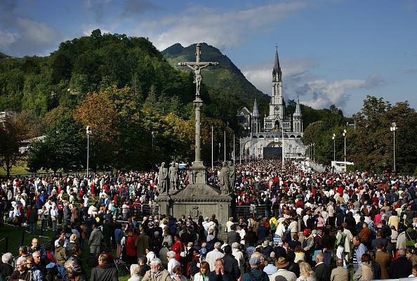 Religious Mass「Pope Benedict XVI Celebrates Mass For Sicks and Disabled」:写真・画像(16)[壁紙.com]