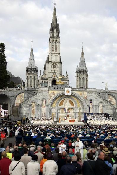 Religious Mass「Pope Benedict XVI Celebrates Mass For Sicks and Disabled」:写真・画像(0)[壁紙.com]