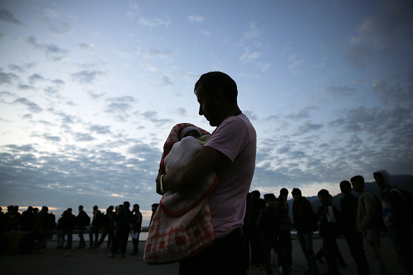 Family「Greek Island Of Lesbos Continues To Recieve Migrants Fleeing Their Countries」:写真・画像(16)[壁紙.com]