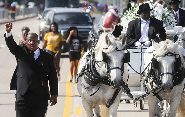 Place of Burial「Private Funeral For George Floyd Takes Place In Houston」:写真・画像(9)[壁紙.com]