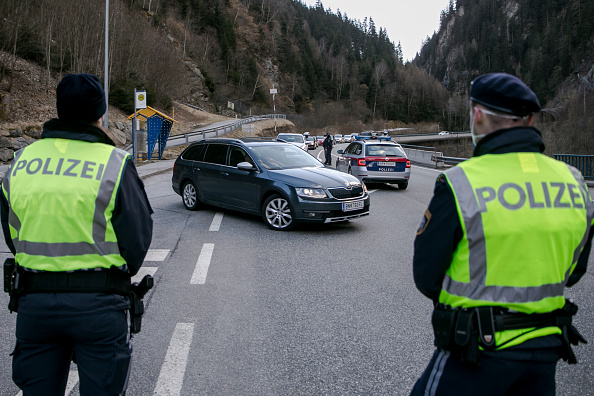 Austria「Tyrolian Regions Quarantined, Travel Restricted」:写真・画像(3)[壁紙.com]