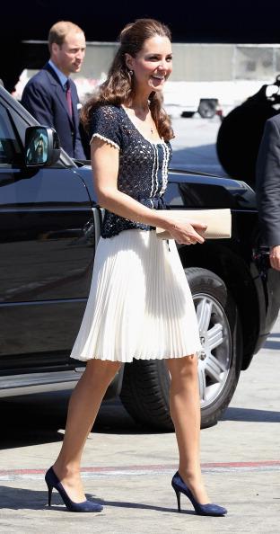 LAX Airport「The Duke and Duchess of Cambridge Depart Los Angeles」:写真・画像(6)[壁紙.com]