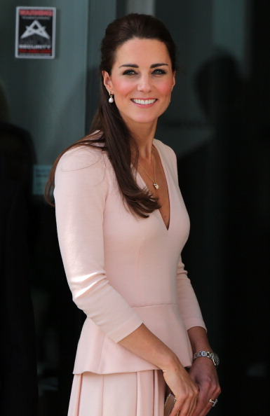 Pink Color「The Duke And Duchess Of Cambridge Tour Australia And New Zealand - Day 17」:写真・画像(5)[壁紙.com]