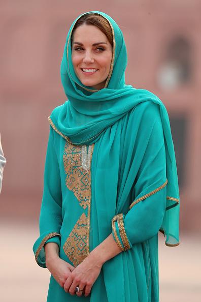 Visit「The Duke And Duchess Of Cambridge Visit The North Of Pakistan」:写真・画像(2)[壁紙.com]