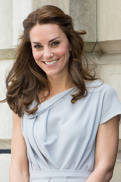 カメラ目線「The Duchess Of Cambridge Attends Lunch In Support Of The Anna Freud Centre」:写真・画像(7)[壁紙.com]