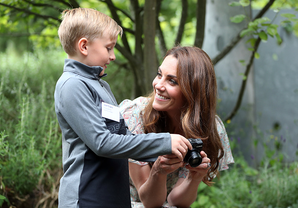 Workshop「The Duchess Of Cambridge Joins Photography Workshop With Action For Children」:写真・画像(18)[壁紙.com]