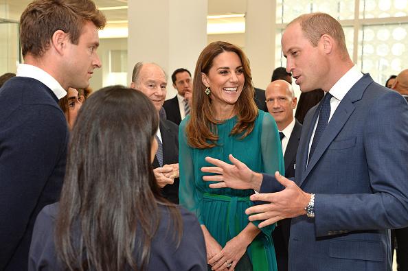 Visit「The Duke And Duchess Of Cambridge Visit The Aga Khan Centre」:写真・画像(16)[壁紙.com]