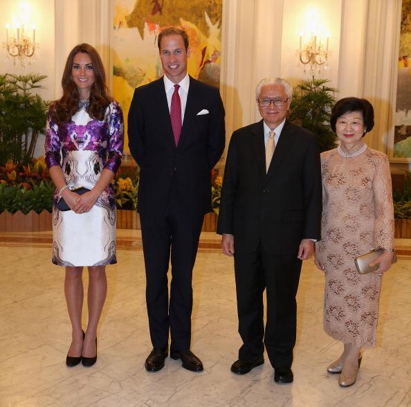Purple「The Duke And Duchess Of Cambridge Diamond Jubilee Tour - Day 1」:写真・画像(18)[壁紙.com]
