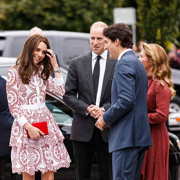 Clutch Bag「2016 Royal Tour To Canada Of The Duke And Duchess Of Cambridge - Vancouver, British Columbia」:写真・画像(6)[壁紙.com]