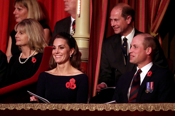 Royal Albert Hall「The Queen And Members Of The Royal Family Attend The Annual Royal British Legion Festival Of Remembrance」:写真・画像(19)[壁紙.com]