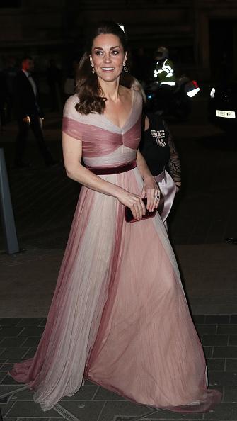 Catherine Duchess of Cambridge「The Duchess Of Cambridge Attends 100 Women In Finance Gala Dinner」:写真・画像(11)[壁紙.com]