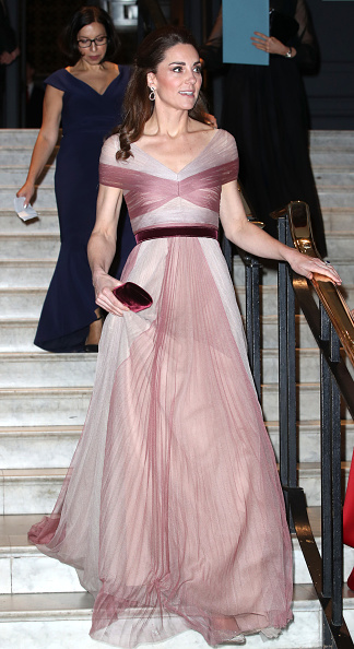 Long Dress「The Duchess Of Cambridge Attends 100 Women In Finance Gala Dinner」:写真・画像(8)[壁紙.com]