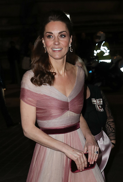 Evening Gown「The Duchess Of Cambridge Attends 100 Women In Finance Gala Dinner」:写真・画像(9)[壁紙.com]