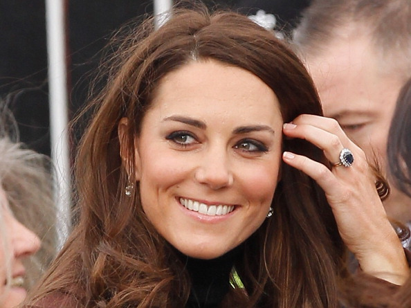 Drop Earring「The Duchess Of Cambridge Visits Liverpool」:写真・画像(0)[壁紙.com]