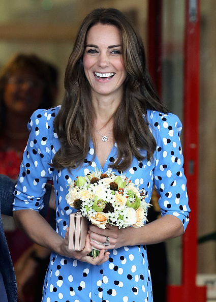 青「The Duke & Duchess Of Cambridge Visits Stewards Academy With Heads Together」:写真・画像(7)[壁紙.com]