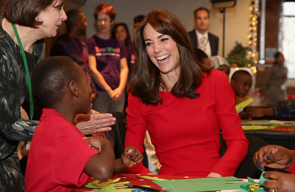Laughing「The Duchess Of Cambridge Attends The Anna Freud Centre Family School Christmas Party」:写真・画像(13)[壁紙.com]