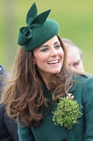 Alternative Pose「The Duke And Duchess Of Cambridge Attend The St Patrick's Day Parade At Mons Barracks, Aldershot」:写真・画像(7)[壁紙.com]