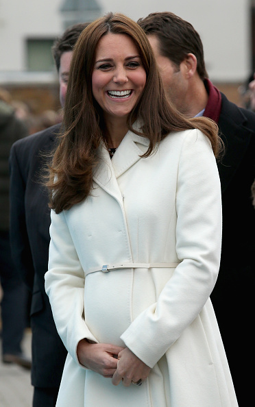 Old Town「The Duchess Of Cambridge Visits Portsmouth」:写真・画像(6)[壁紙.com]