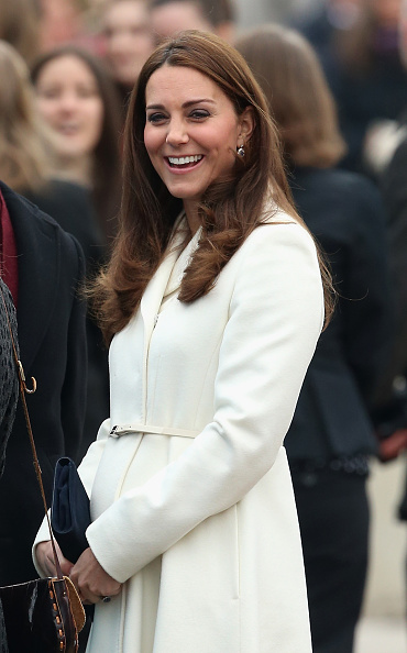 Old Town「The Duchess Of Cambridge Visits Portsmouth」:写真・画像(9)[壁紙.com]
