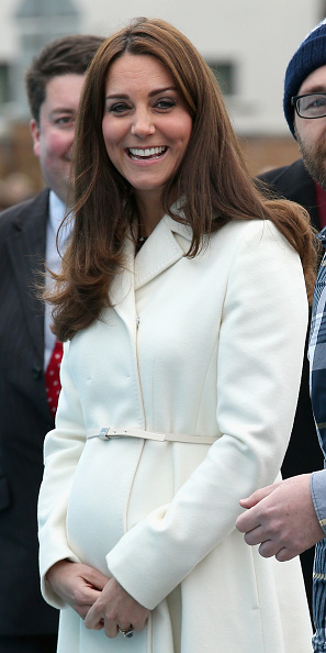 Old Town「The Duchess Of Cambridge Visits Portsmouth」:写真・画像(7)[壁紙.com]