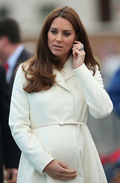 Old Town「The Duchess Of Cambridge Visits Portsmouth」:写真・画像(8)[壁紙.com]