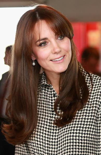 Bangs「The Duchess Of Cambridge Visits The Anna Freud Centre」:写真・画像(2)[壁紙.com]