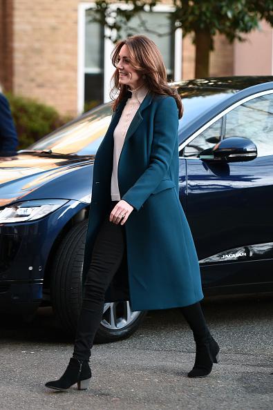 Visit「The Duchess Of Cambridge Visits LEYF Stockwell Gardens Nursery & Pre-School」:写真・画像(17)[壁紙.com]