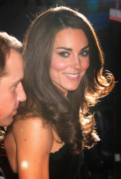 Alexander McQueen - Designer Label「The Duke And Duchess Of Cambridge With Prince Harry Attend A Night For Heroes Sun Military Awards」:写真・画像(4)[壁紙.com]