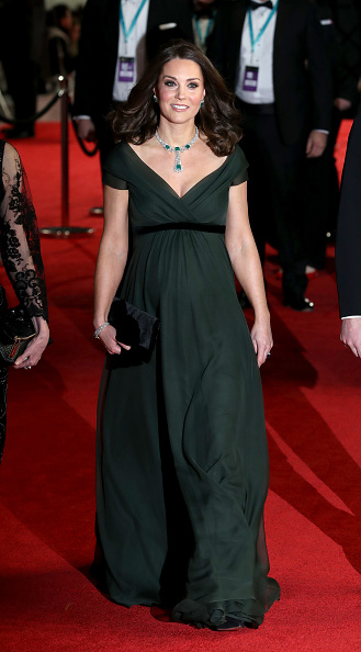 Attending「The Duke And Duchess of Cambridge Attend The EE British Academy Film Awards」:写真・画像(3)[壁紙.com]