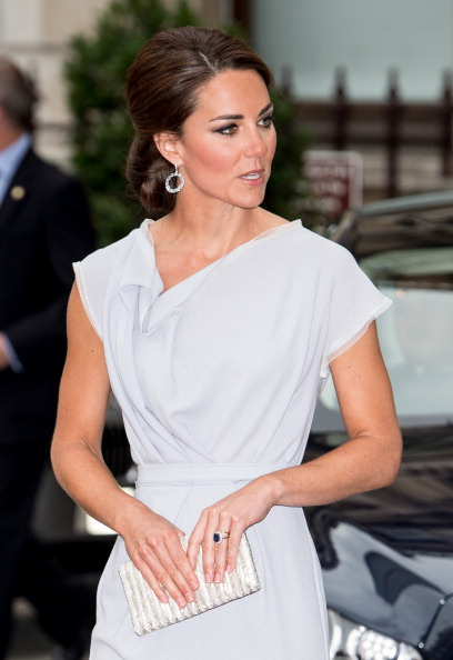 Purse「The Duchess Of Cambridge Attends The UK's Creative Industries Reception At The Royal Academy Of Arts」:写真・画像(15)[壁紙.com]