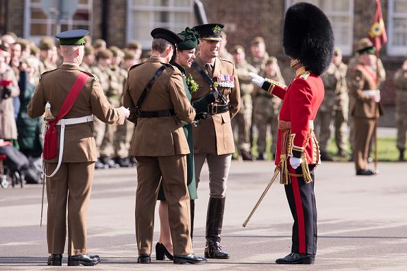 歩兵「The Duke And Duchess Of Cambridge Attend The Irish Guards St Patrick's Day Parade」:写真・画像(18)[壁紙.com]
