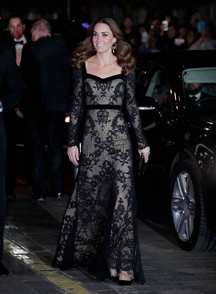 Lace - Textile「The Duke And Duchess Of Cambridge Attend The Royal Variety Performance」:写真・画像(7)[壁紙.com]