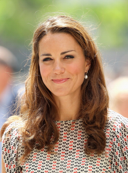 カメラ目線「The Duke And Duchess Of Cambridge Diamond Jubilee Tour - Day 2」:写真・画像(10)[壁紙.com]