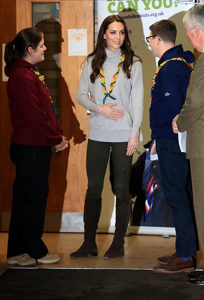 King's Lynn「The Duchess Of Cambridge Attends A Cub Scout Pack Meeting To Celebrate 100 Years Of Cubs」:写真・画像(6)[壁紙.com]