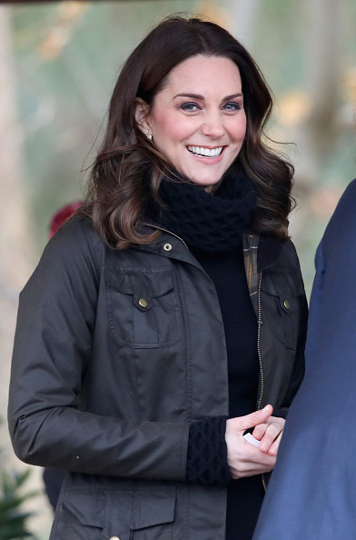Smiling「The Duchess Of Cambridge Visits Robin Hood Primary School」:写真・画像(5)[壁紙.com]