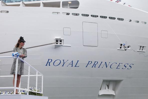 Passenger Craft「The Duchess Of Cambridge Attends Princess Cruises Ship Naming Ceremony」:写真・画像(7)[壁紙.com]