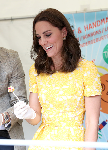 Two People「The Duke And Duchess Of Cambridge Visit Germany - Day 2」:写真・画像(18)[壁紙.com]