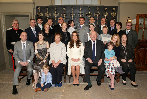 Visit「The Duchess Of Cambridge Visits The Set Of Downton Abbey At Ealing Studios」:写真・画像(16)[壁紙.com]