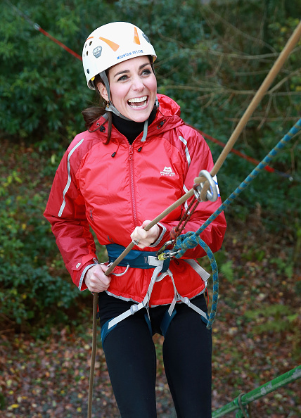 Rappelling「The Duke And Duchess Of Cambridge Visit North Wales」:写真・画像(4)[壁紙.com]