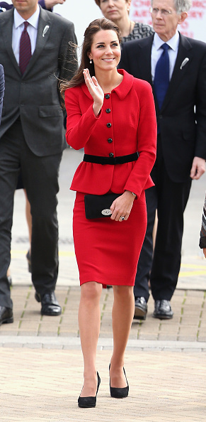 Red Suit「The Duke And Duchess Of Cambridge Tour Australia And New Zealand - Day 8」:写真・画像(12)[壁紙.com]