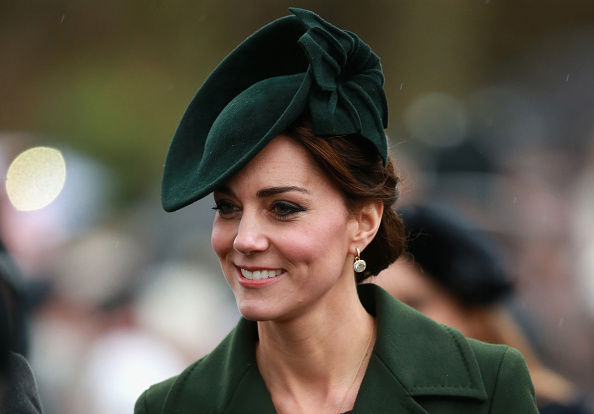Headwear「The Royal Family Attend Church On Christmas Day」:写真・画像(16)[壁紙.com]