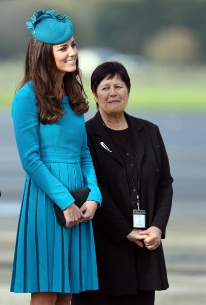 Blue Dress「The Duke And Duchess Of Cambridge Tour Australia And New Zealand - Day 7」:写真・画像(16)[壁紙.com]