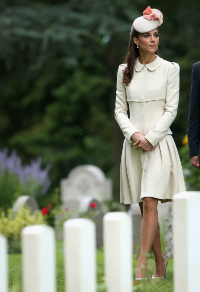Alexander McQueen - Designer Label「Duke & Duchess Of Cambridge And Prince Harry Attend St Symphorien Miltary Cemetery」:写真・画像(16)[壁紙.com]