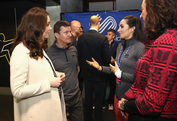 女性歌手「The Duke And Duchess of Cambridge Undertake Engagements Celebrating The Commonwealth」:写真・画像(9)[壁紙.com]
